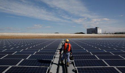 Renewable-Energy-Apple_Solar-Panel-Japan_040918