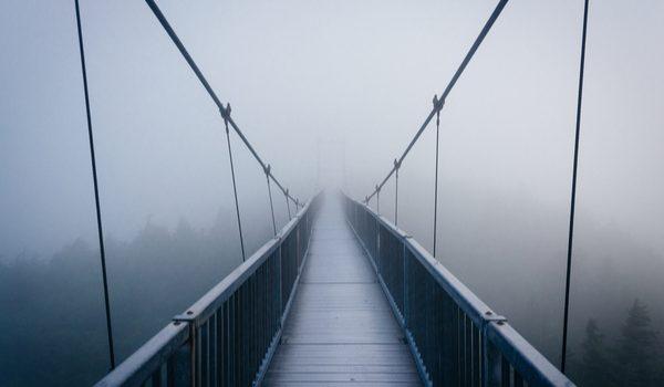 Ponte sospeso - concetto di incertezza