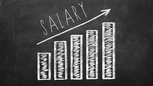 aumento stipendi grafico su lavagna
