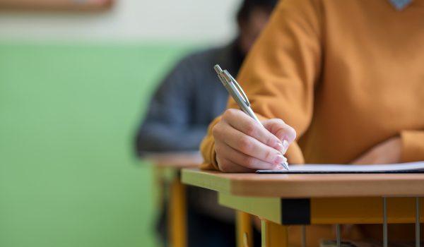 studente nel corso di un esame