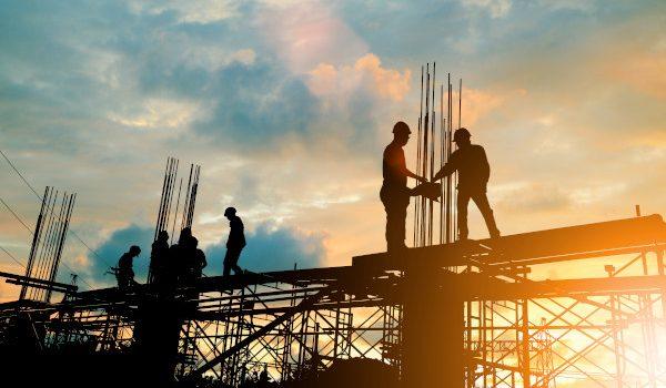 Infrastrutture-uomini al lavoro
